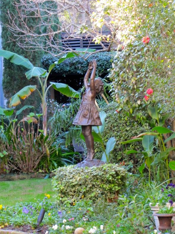 Charleston courtyard statu